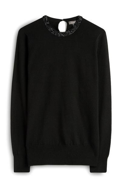 Črn pulover z okrašenim ovratnikom
