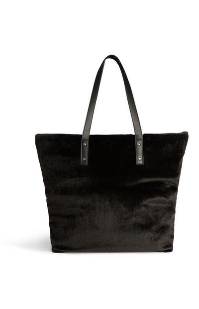 Zwarte pluizige tas