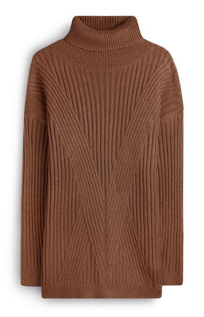 Jersey color marrón de cuello vuelto