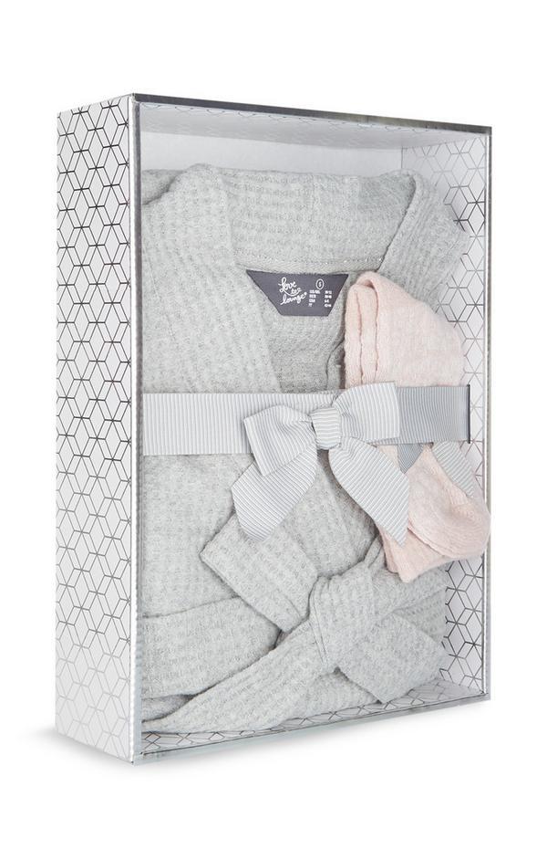 Roupão favo de mel cinzento e meias malha luxo cor-de-rosa