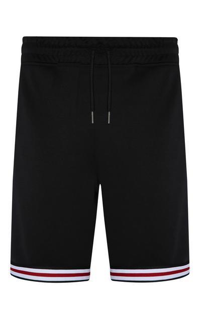 Črne kratke hlače s črtastim spodnjim delom