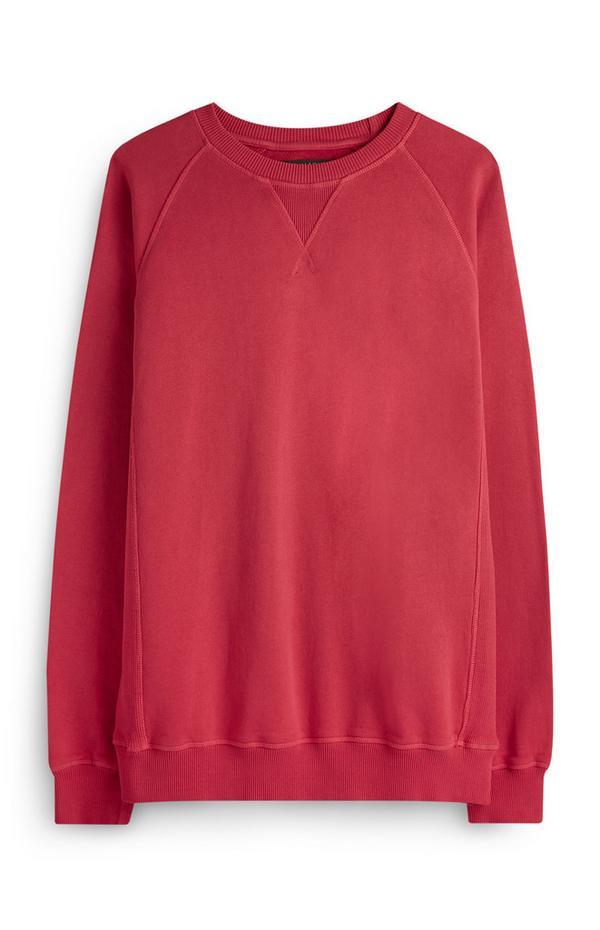 Jersey rojo con cuello redondo