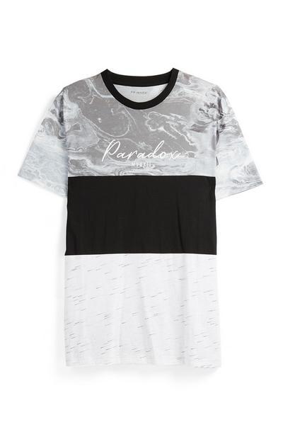 Siva majica z marmornim vzorcem