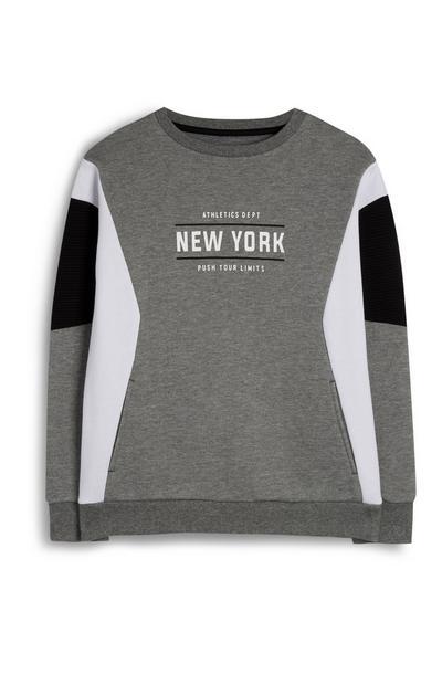 Siv pulover z barvnimi bloki za fante