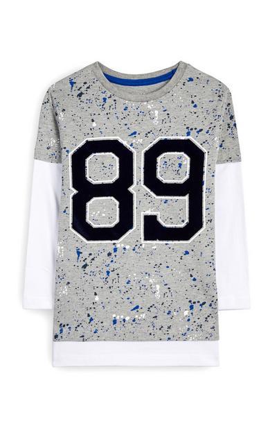 Camiseta con salpicaduras de pintura gris para niño pequeño