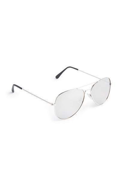 Silberfarbene Pilotenbrille