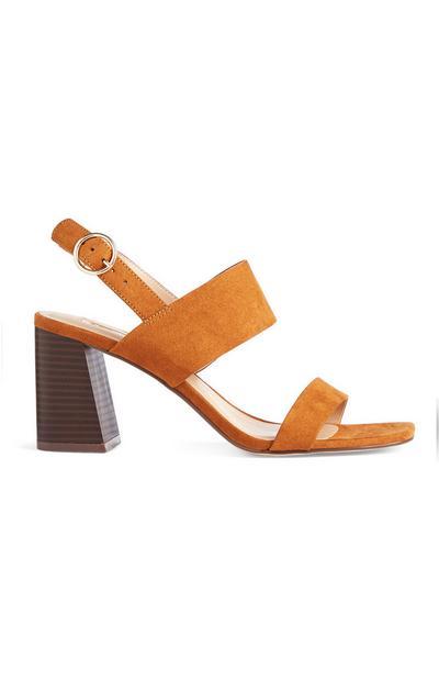 Lichtbruine sandalen met wijde hak en bandjes