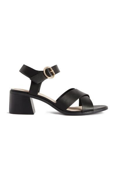 Zwarte sandalen met bandjes en hakken