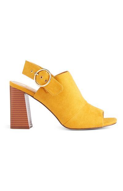 Mosterdgele sandalen met hoge hak en gespen
