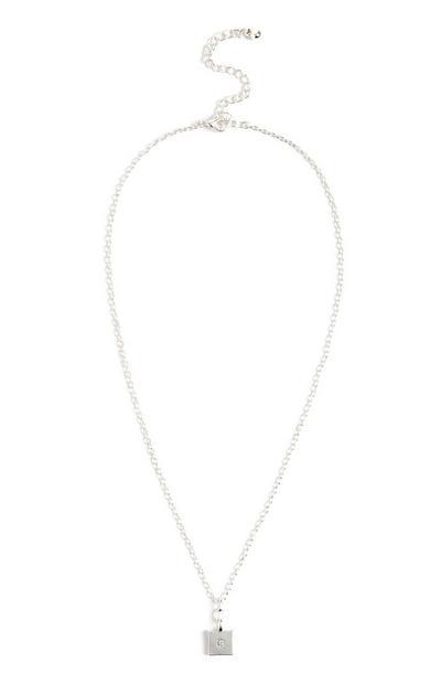 Verižna ogrlica s kvadratnim obeskom