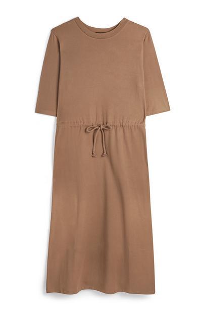 Bruine jurk met korte mouwen en trekkoord