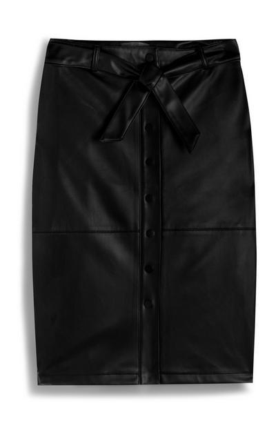 Zwarte halflange rok van vegan imitatieleer met riem
