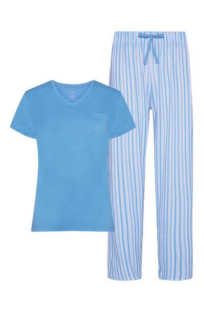 Blau gestreifter Pyjama mit T-Shirt und Hose