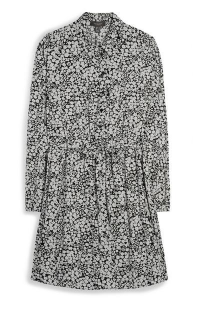 Zwart-witte jurk met riem en patroon