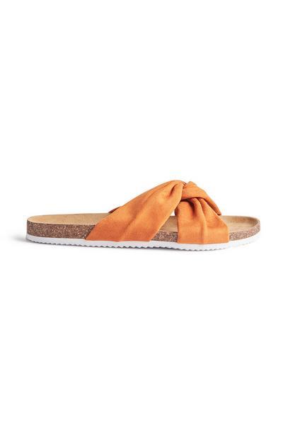 Oranje geknoopte platte slippers
