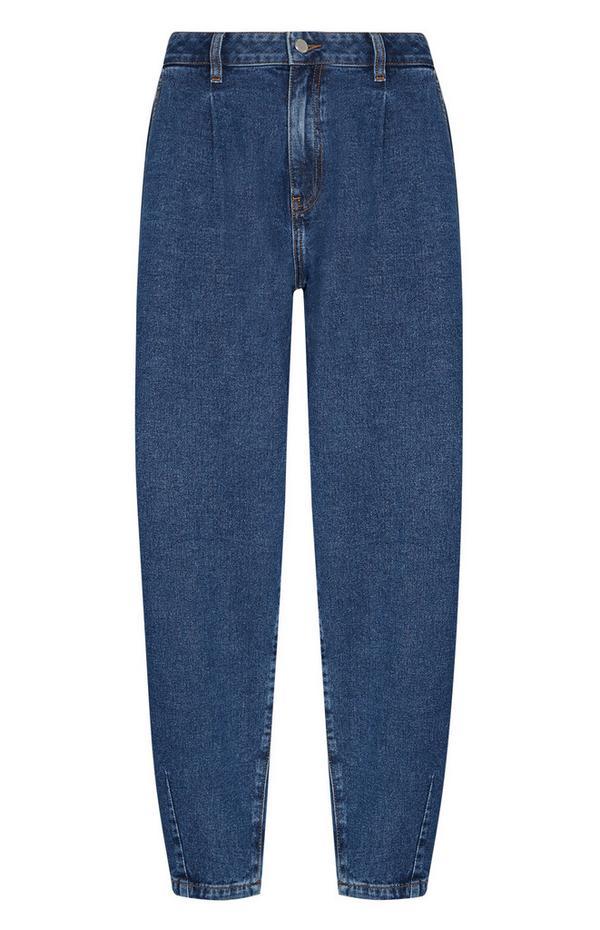 Blauwe jeans met smal toelopende pijpen