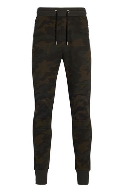 Pantalón de chándal de piqué estilo motero color caqui con estampado de camuflaje