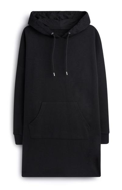 Vestido negro con capucha
