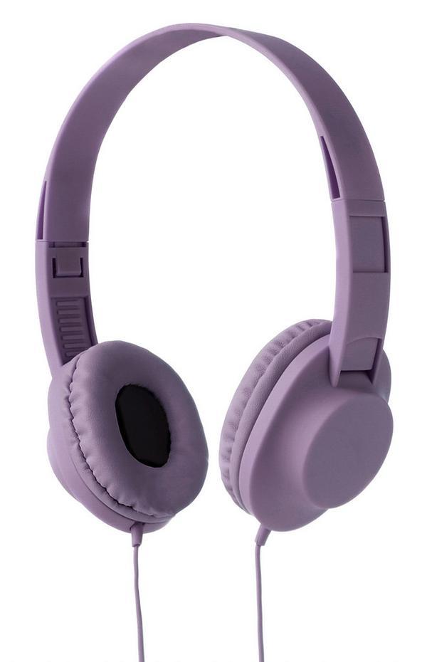 Fliederfarbene, kabelgebundene Kopfhörer