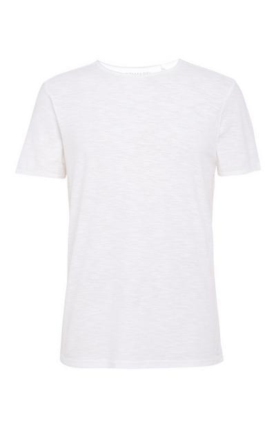 Weißes T-Shirt mit U-Boot-Ausschnitt