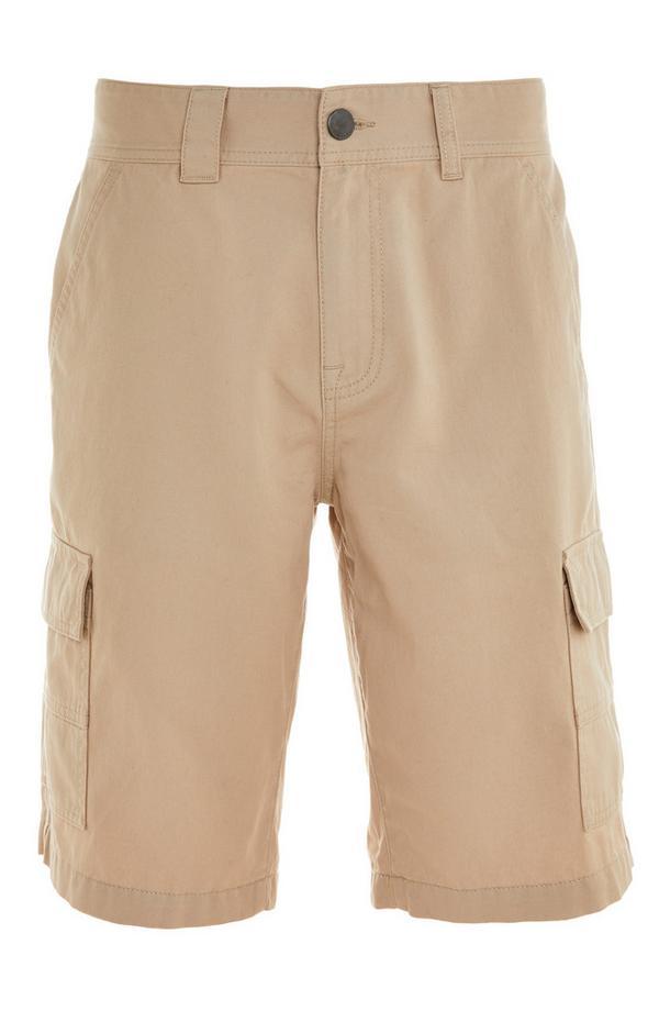 Pantalón corto cargo beige con bolsillos