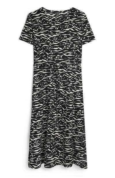 Zwarte halflange jurk van krinkelstof