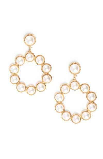 Orecchini pendenti circolari con perle