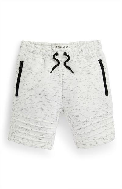 Pantalón corto gris con pliegues para niño pequeño