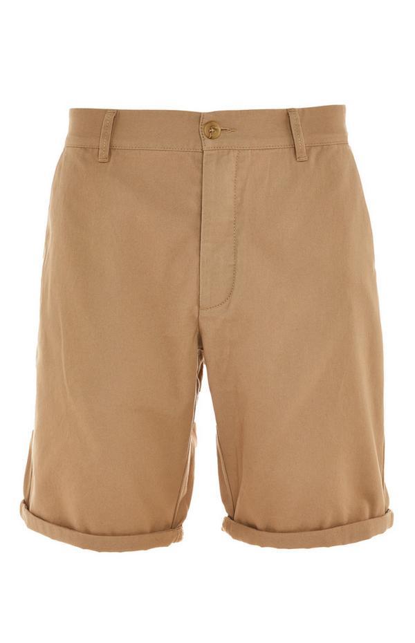 Shorts chino beige con risvolto