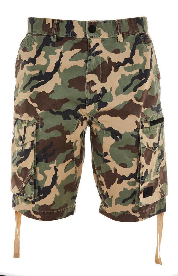 Kratke hlače s kamuflažnim potiskom in žepi na stegnih