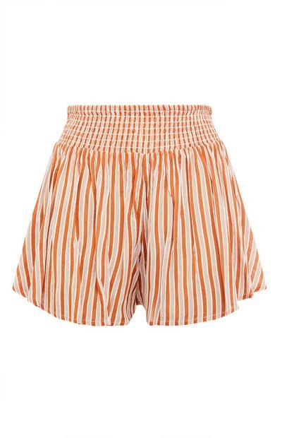 Pantalón corto naranja a rayas con cintura elástica
