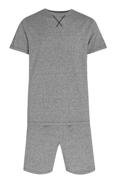 T-shirt a maniche corte e shorts grigi