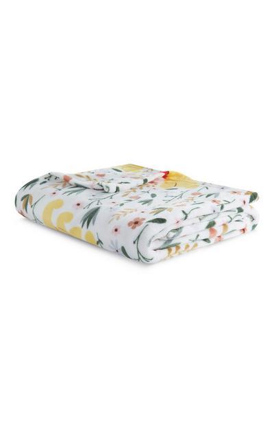 White Winnie The Pooh Flower Print Blanket