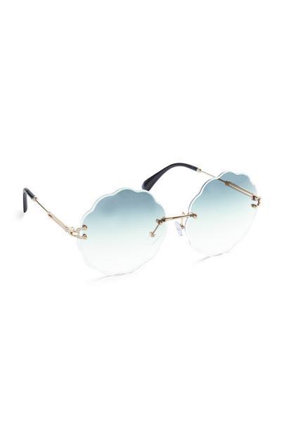 Blaue Sonnenbrille mit wellenförmigem Gläserrand