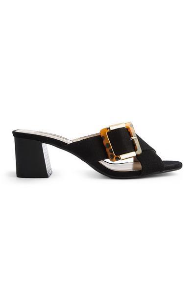 Sandalias negras con hebilla efecto carey
