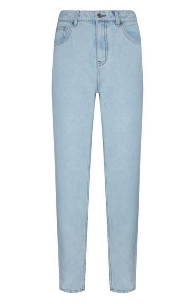 Hellblaue, schmal geschnittene Mom-Jeans