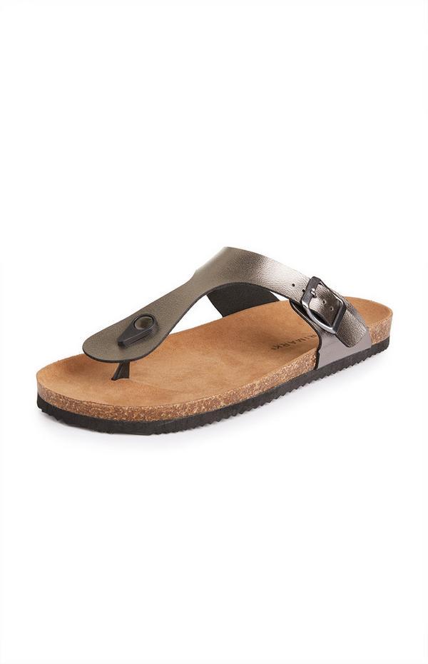 Goudkleurige sandalen met voetbed en teenriempje