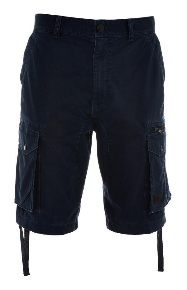 Črne kratke hlače z žepi na stegnih