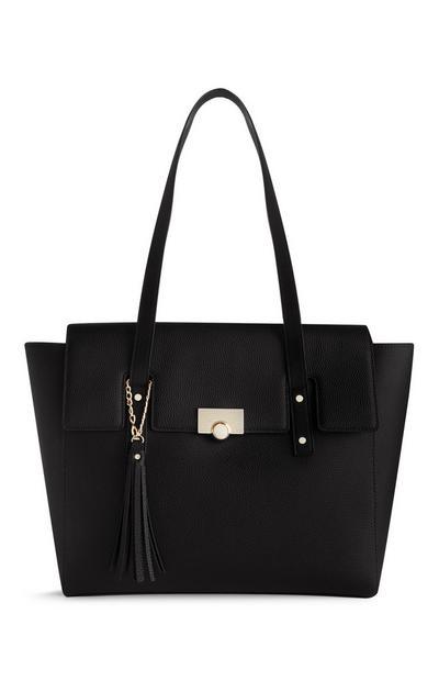 Zwarte tas met flap en kwastjes