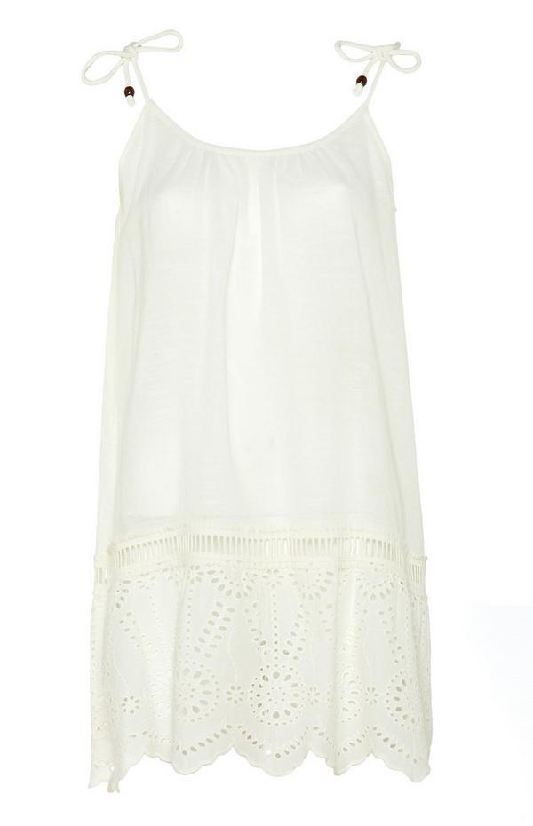 Weißes, ausgestelltes Kleid mit Trägern