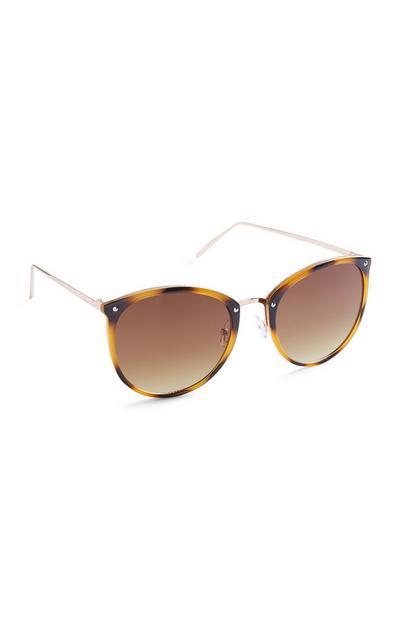 Braune Sonnenbrille mit runden Gläsern und Schildpattgestell
