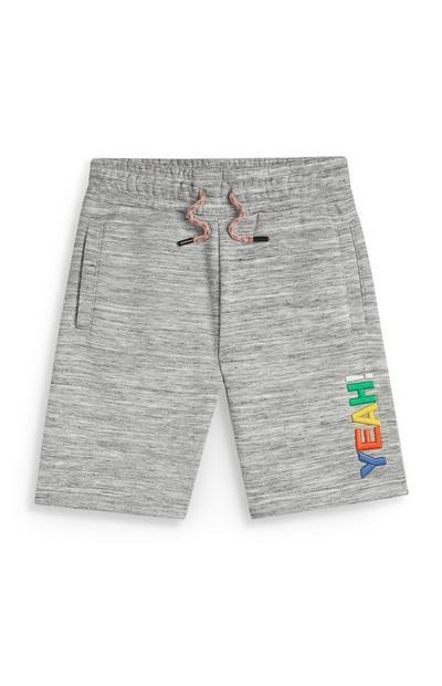 Sive kratke hlače Stacey Solomon z napisom Yeah za mlajše fante