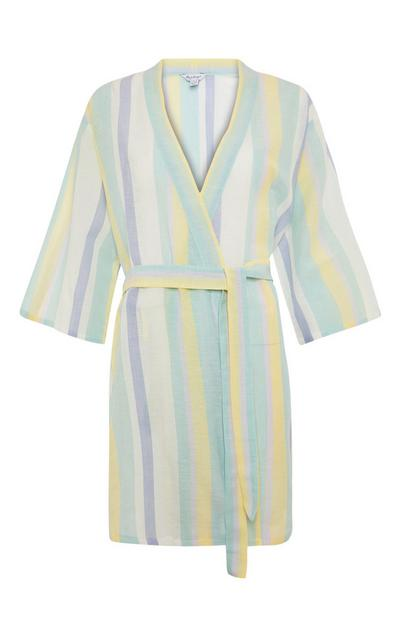 Bata de pijama de rayas veraniegas en tonos pastel
