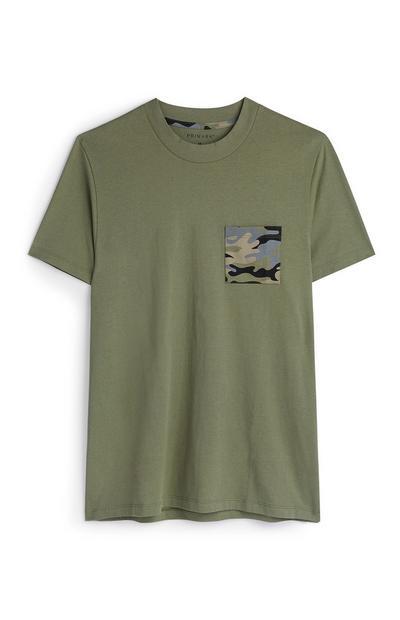 T-shirt bolso padrão camuflado caqui