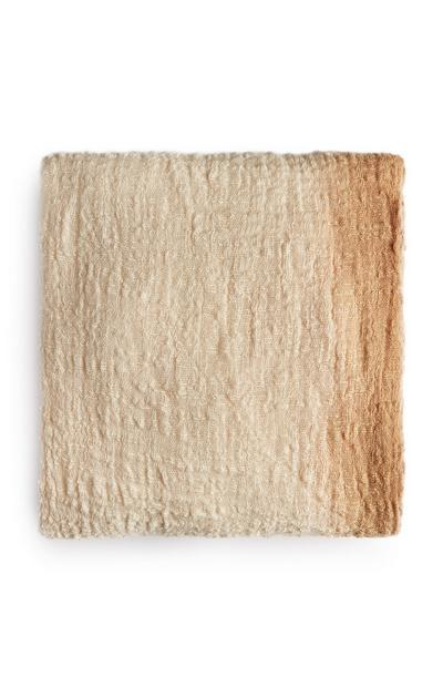 Taupefarbener Schal im Ombré-Look