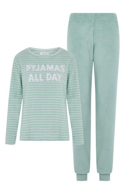 Conjunto de pijama con mensaje «Pyjamas All Day» de color verde menta