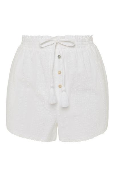 Pantalón corto blanco en tejido mil rayas con botones