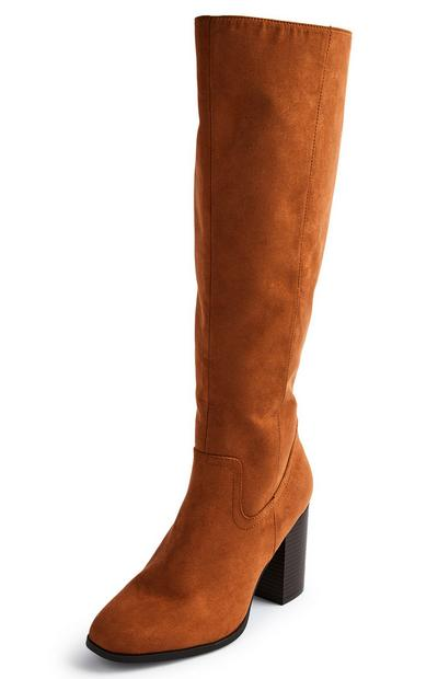 Kniehohe Stiefel mit Blockabsatz