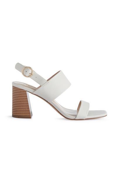 Witte sandalen met blokhak en bandjes