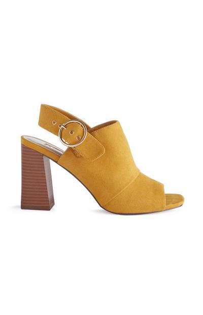 Gele sandalen met blokhak en gesp